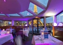 Le restaurant et sa vue sur la Tour Eiffel