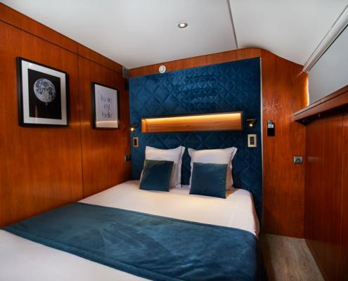 Une chambre double fraîchement décorée