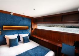 Une chambre double avec vue sur la seine