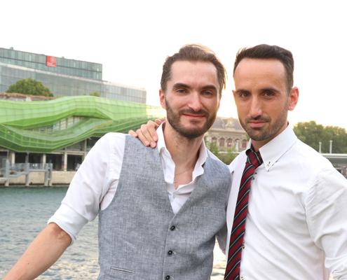 Couple amoureux sur le VIP Paris